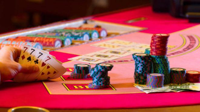 هل اللعب في بيت 365 مثل اللعب في أي كازينو اونلاين؟